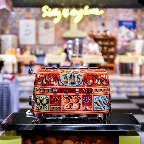 Шик дня: кухонная техника от Dolce&Gabbana