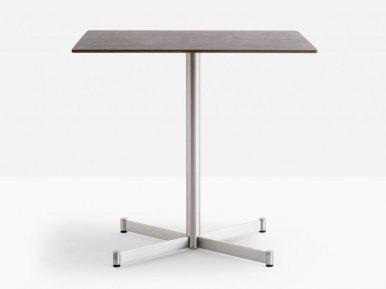 Zenith 4742 PEDRALI Нераскладной стол