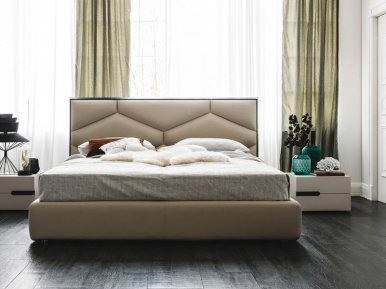 Edward Cattelan Italia Кровать